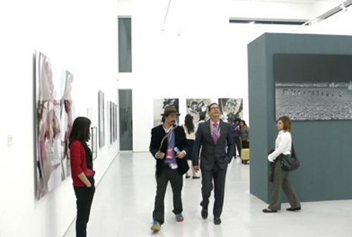 http://www.artbeijing.net/upload/news/219/c/12753799939337.jpg